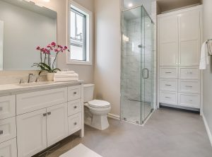 15605woodleaf-guestbath