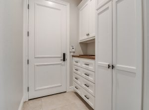 15605woodleaf-mudroom