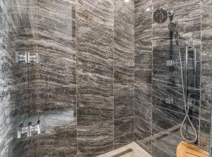 905NW156th-bath4