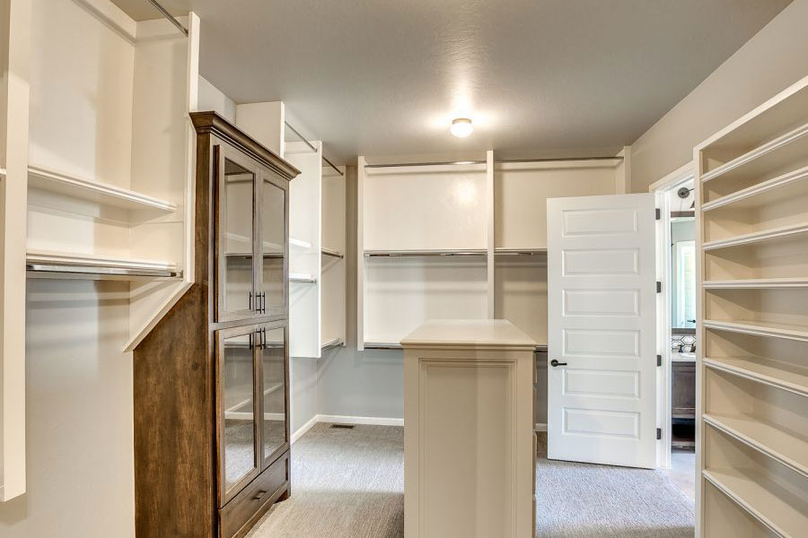 Home Builder Closet Gallery 1