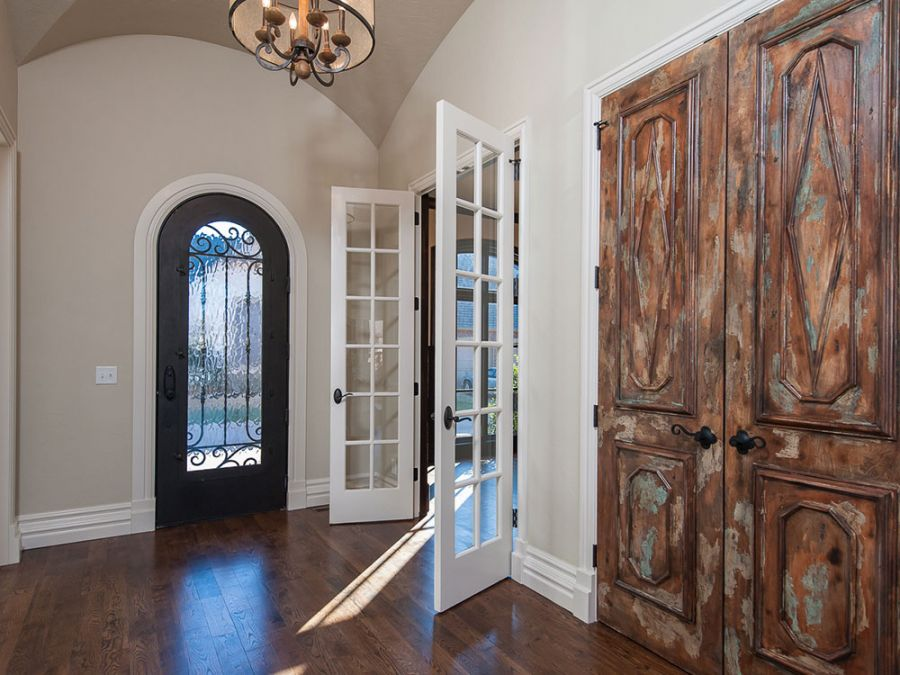 Entry hallway with doors leading into the study area.